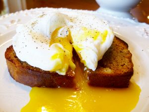 Perfectly Poached Eggs (Paleo, SCD, GAPS)