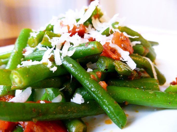 Grown-Up Green Beans (Haricots Verts with Tomato, White Wine and Pecorino Romano) Paleo, SCD, GAPS