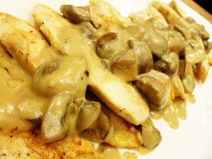 "Chicken with Mushroom Wine ""Cream"" Sauce (Paleo, GAPS, SCD, grain free, dairy free)"